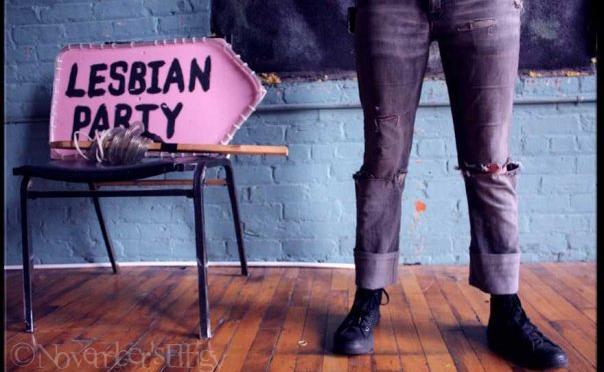 lesbian party penastory